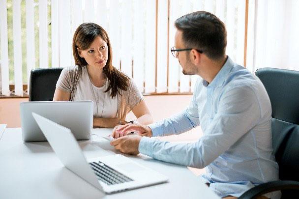 مشاور مالی و مالیاتی
